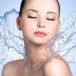 Een gehydrateerde huid is de basis voor een gezonde huid.